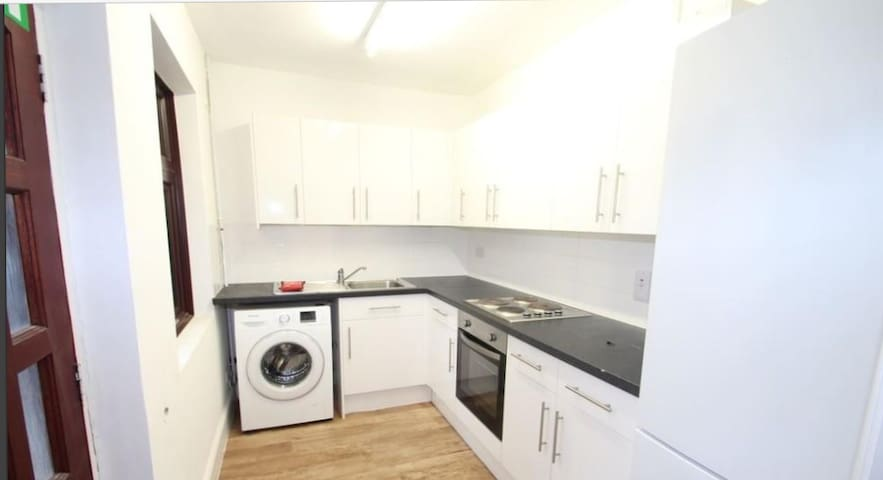 3 Bed Ground Floor Apartment Detached House, - Leicester - Appartement