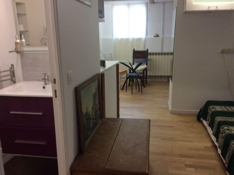 Joli studio pr s porte d 39 italie apartments for rent in - Porte d italie metro ...