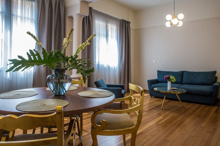 Luminous apartment in Keramikos -NO CLEANING FEES