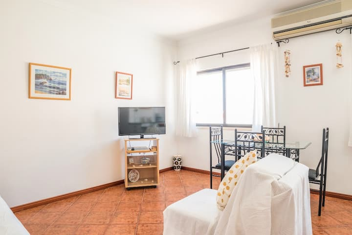 Sampa  Yellow Apartment, Tavira, Algarve