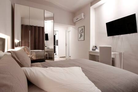 Balcony Superior Room (private WC) - Roma