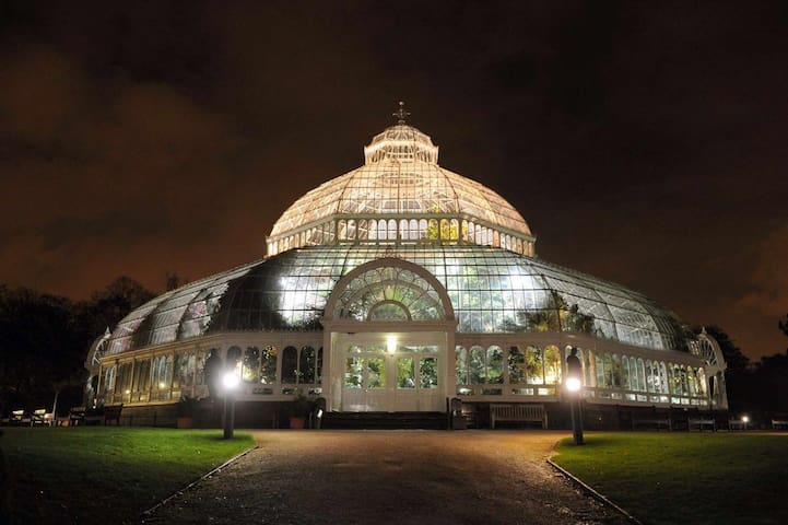 The beautiful Palm house