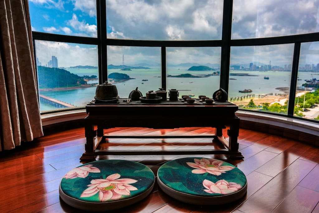 主卧茶席 (Tea table in the main bedroom)