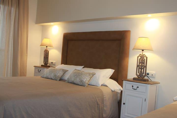 Habitación Doble Superior Balcón de Cómpeta - Cómpeta - Hostal