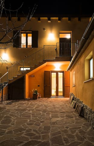 Il Pollaio: casa e ampio cortile