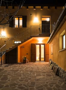 Il Pollaio: casa e ampio cortile - Purello - House