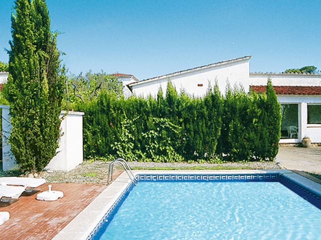 Holiday home for 6 persons in Playa de Pals