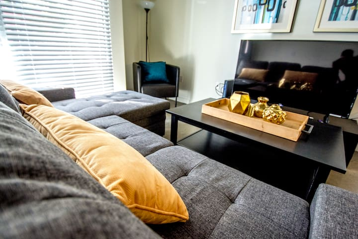 Heart of Gaslamp ♥ Beautiful Cozy 1 Bdr Loft