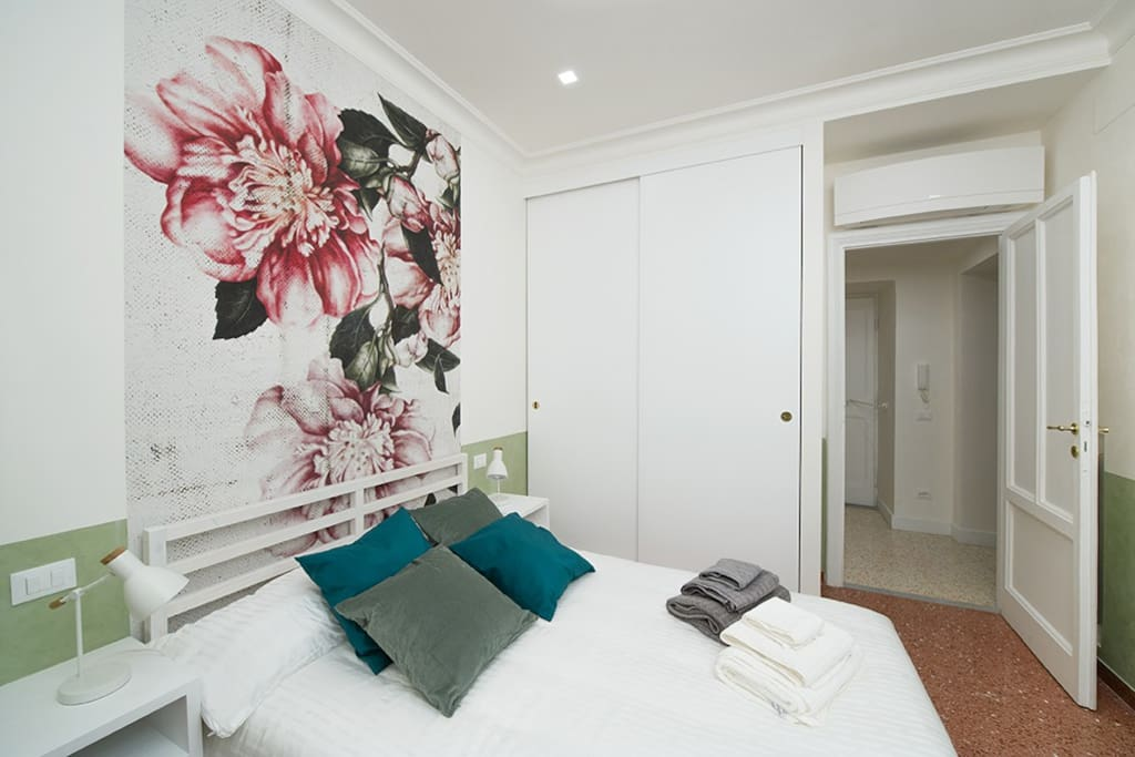 Heart Room is the second bedroom with lots of space for your belongings and Smart TV Netflix free