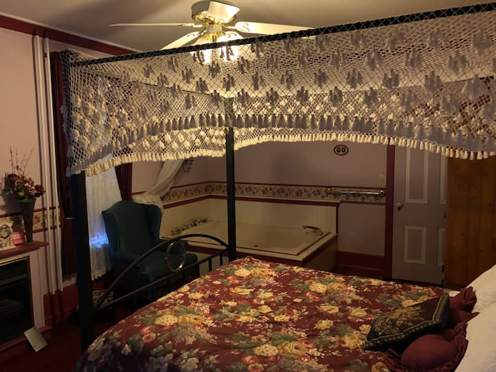 Romance Room at Keller House