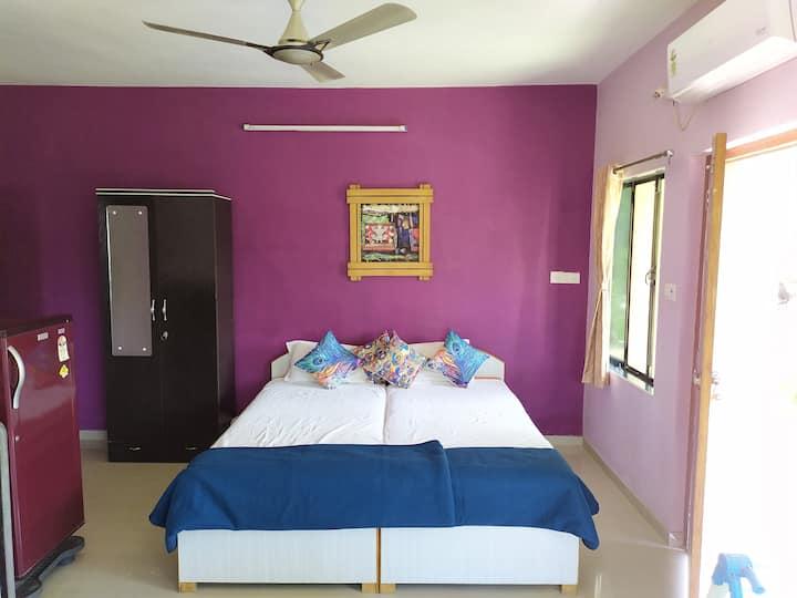 Alex Guest House Ganeshpuri / Entire Floor 4 Suite