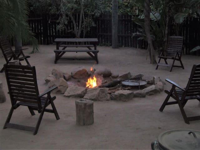 Lukafrica Riverside Chalets-Poolside Chalet 05