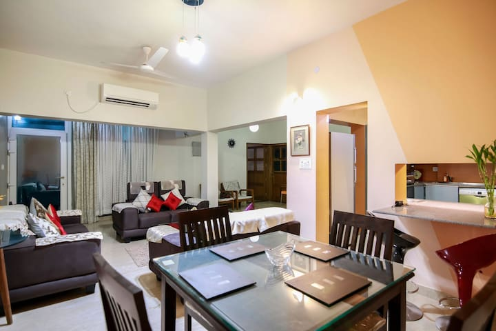 Abhinandan stay - a Spacious Cozy Apartment