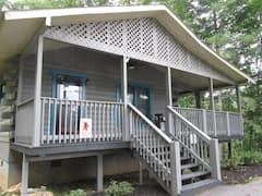 Cozy+cabin+in+the+enchanted+Cherokee+homeland