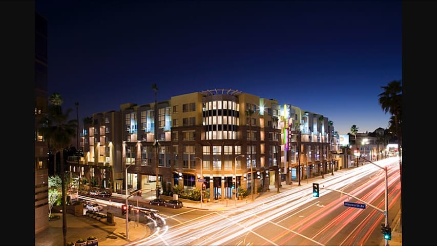 TOP LUXURY LOCATION, WEHO. 20%OFF. FREE PARKING - Los Angeles - Byt