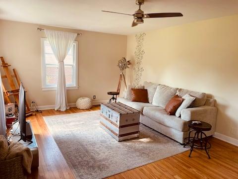 Luxury home & workspace w/ A/C, home gym & studio