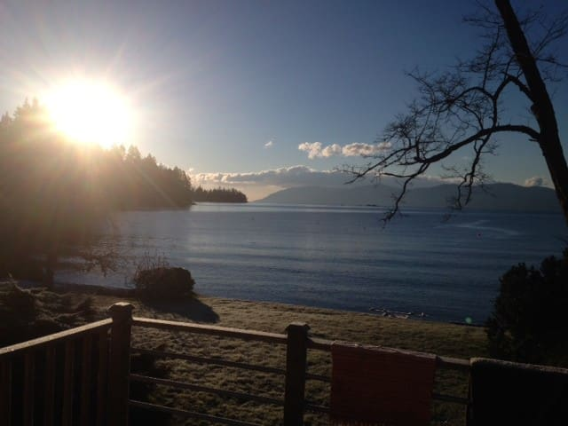 Glamping in Frolander Bay, Powell River - Powell River - Husbil/husvagn