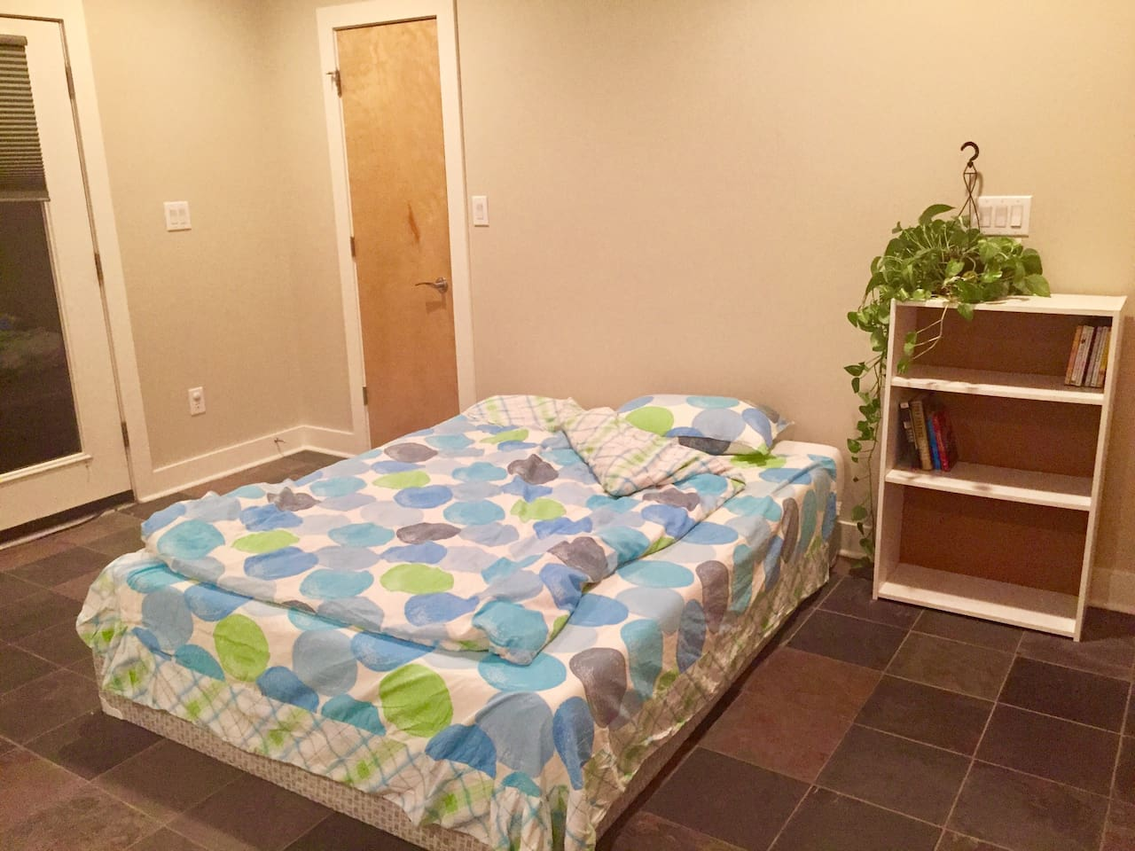 big private 1st floor bedroom with access to the yard