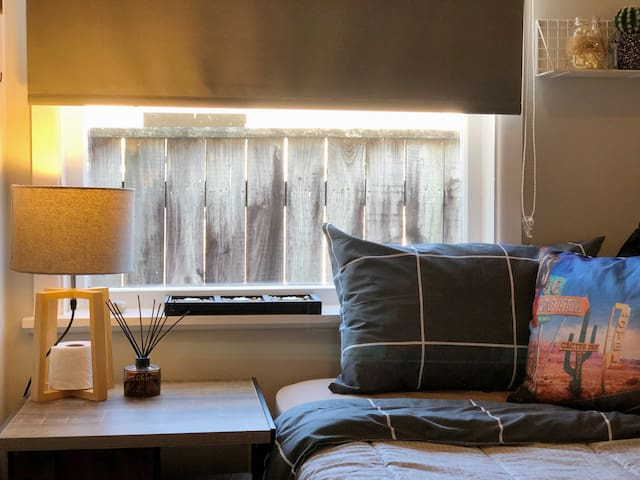 Very very tiny room but own everything. suitable for travellers or students so much!We also have another double rooms for couple in this house..feel free to ask:)