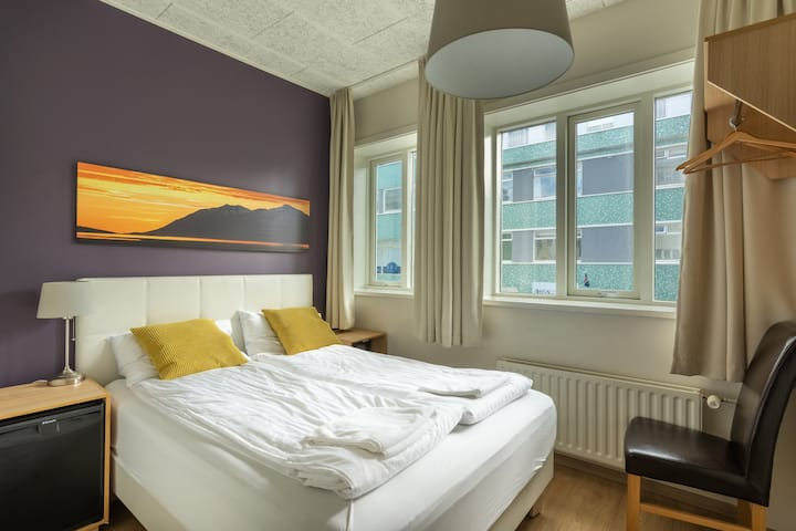 Economy double room w.private bathroom - Centrum Guesthouse