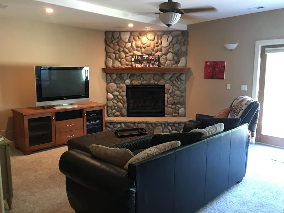 Private full living room with working gas fireplace. Cable TV