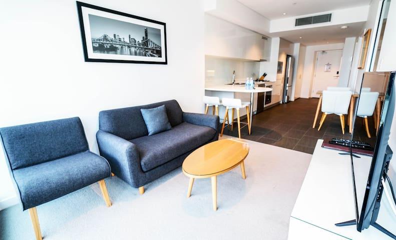 Brisbane river front apartment(foxtel)