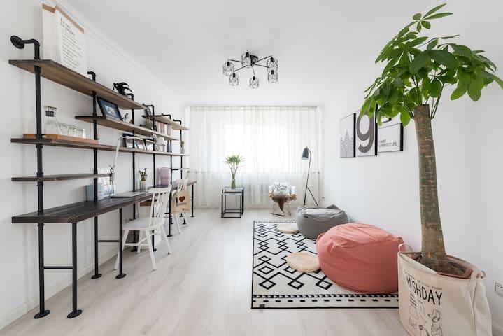 Sharon's Apartment | 简洁1.8m大床房临近国信体育场、石老人海水浴场、齐鲁医院 - Qingdao