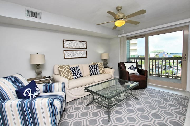 Summerhouse West 207B - ADORABLE tastefully updated 2 bedroom, 2.5 bathroom with three balconies all with gulf or lagoon views!