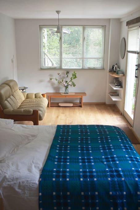 Light, bright and airy room with Wifi - no TV!