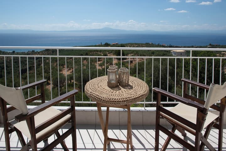 Theo's House (amazing Messinian Bay view!)