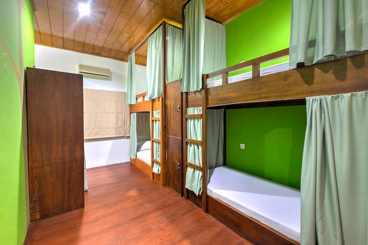1 Bed in Male Dormitory at Riverside Hostel