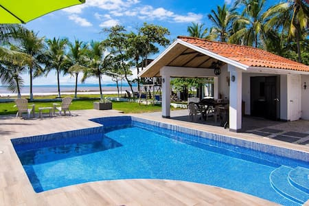 Beachfront House in Playa Tivives w/ private pool