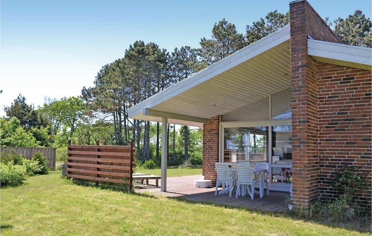 Holiday cottage with 3 bedrooms on 93m² in Ebeltoft