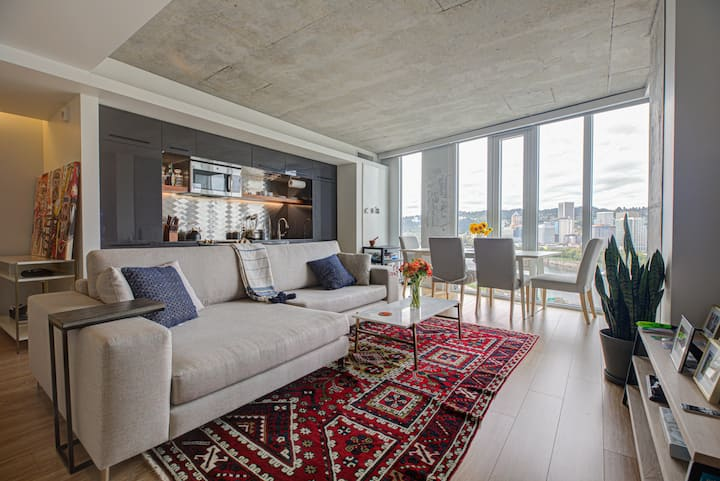 ***Downtown Luxury Penthouse***