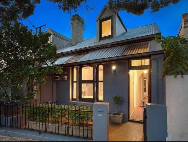 Charming inner west cottage - Stanmore - Haus