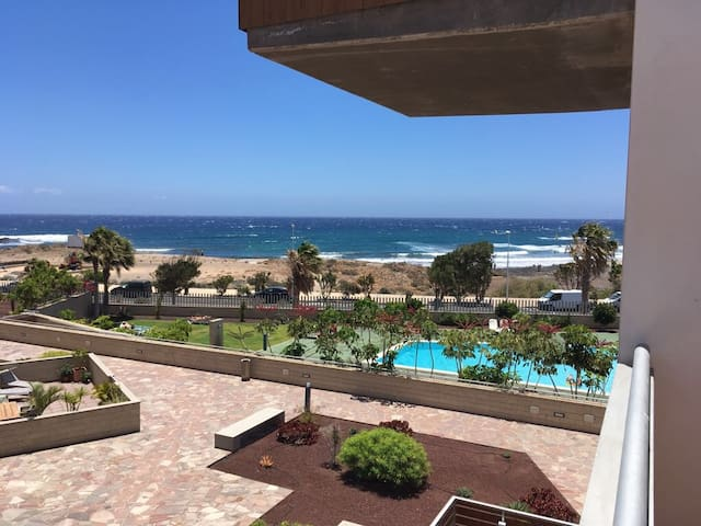 Big 1 bedroom appartement with seaview and pool