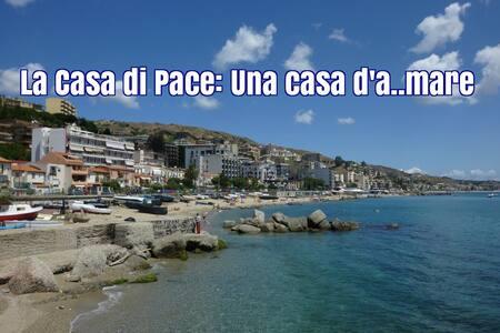 La casa di Pace Una casa d'a..mare - Messina - 独立屋