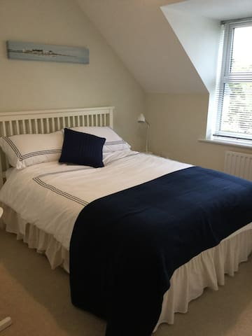 Sunny double room in Corsham, Wiltshire
