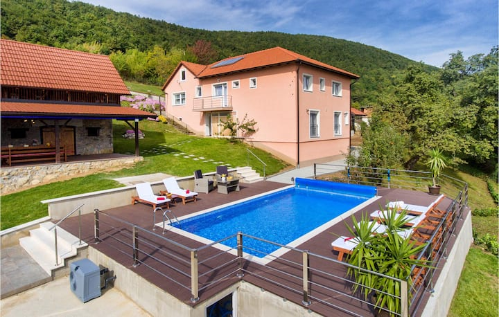 Amazing home in Kostanjevac with Outdoor swimming pool and 4 Bedrooms