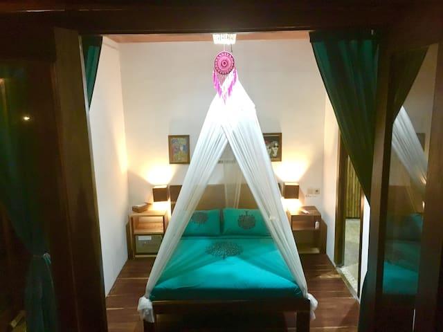 SEAWEED DOUBLE ROOM @ Villa Monyet
