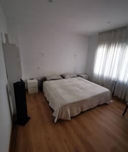 Cómoda habitación privada en centro de la ciudad