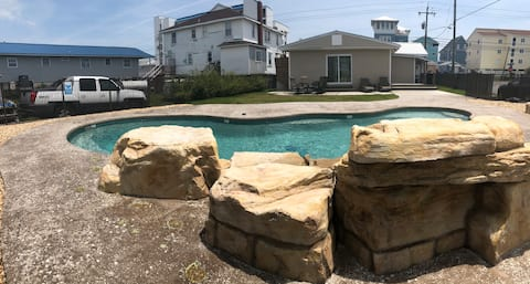 Mermaid Retreat* Private Pool* Pet Friendly