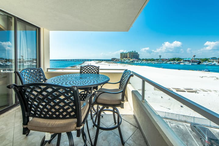 ☀East Pass 407☀Updated 2BR☀Book 4 Thanksgiving! AMAZING Views! BeachFront Pool!