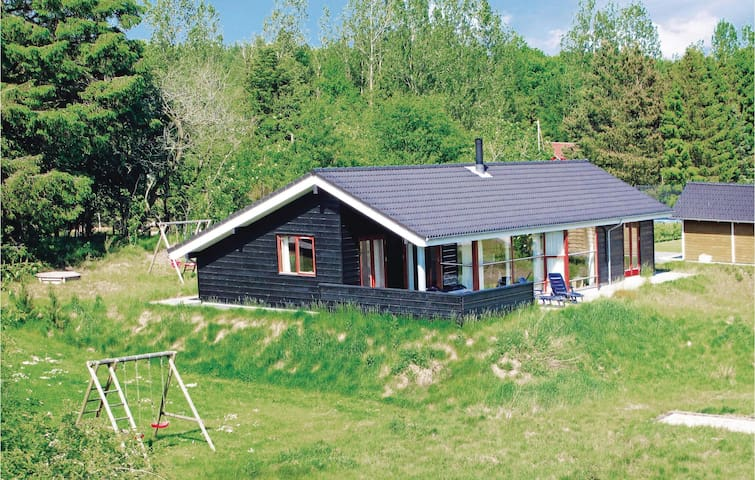 Holiday cottage with 3 bedrooms on 106m² in Toftlund