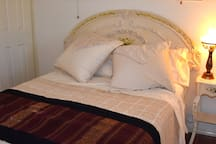 Cosy pte double bed in Suite