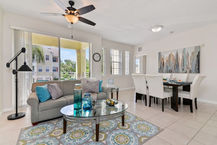 Beautiful apartment 10 minutes from Disney!