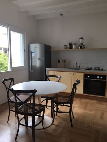 Pinheiros - Newly Built Apartment with Balcony