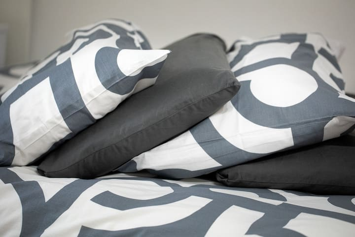 """Choose the pillow which """"suits"""" you more; soft, hard, orthopedic, memory"""
