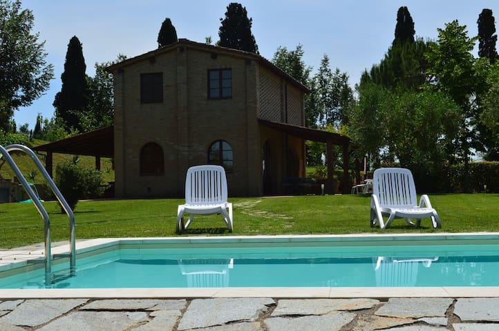 Villa piscina privata  aria condizionata wifi