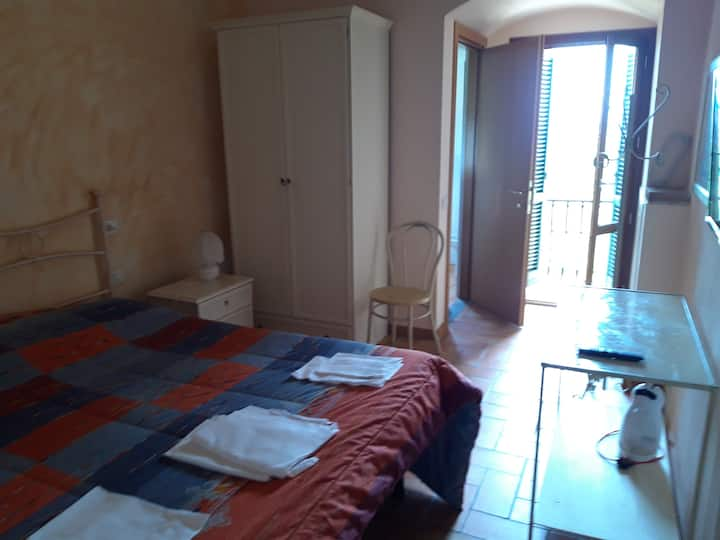 Central San Miniato double room with bathroom